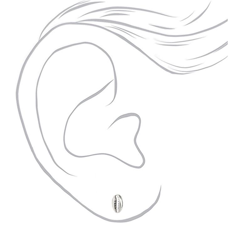 Clous d'oreilles cauris en argent,
