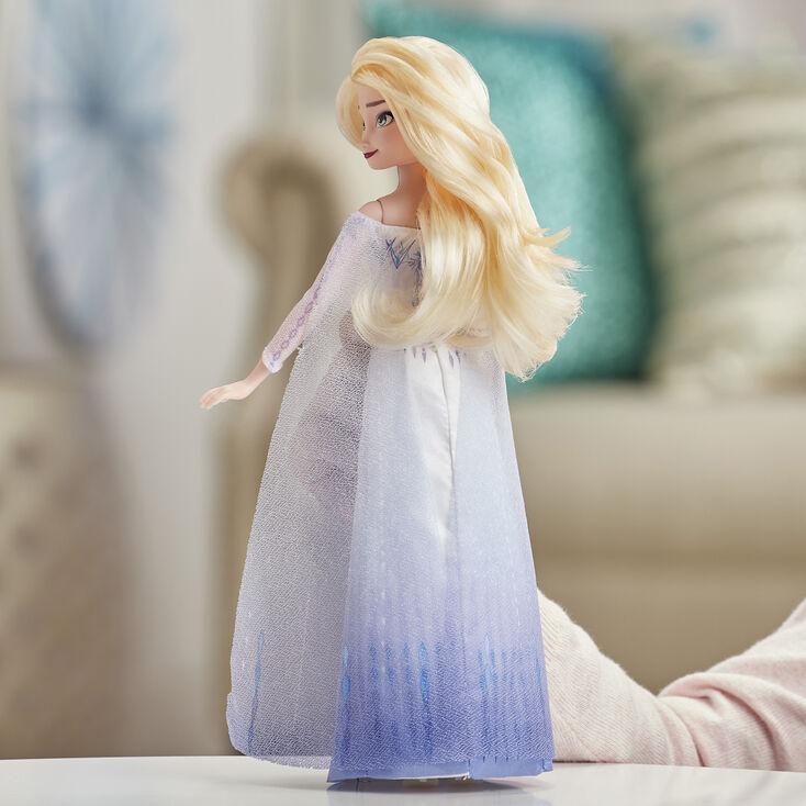 Poupée chantante Elsa aventure musicale La Reine des Neiges2 ©Disney – Bleu,
