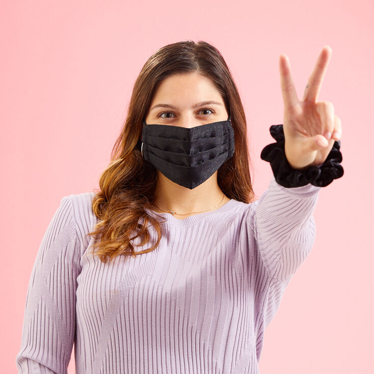 Black Tulle Pleated Face Mask - Adult,