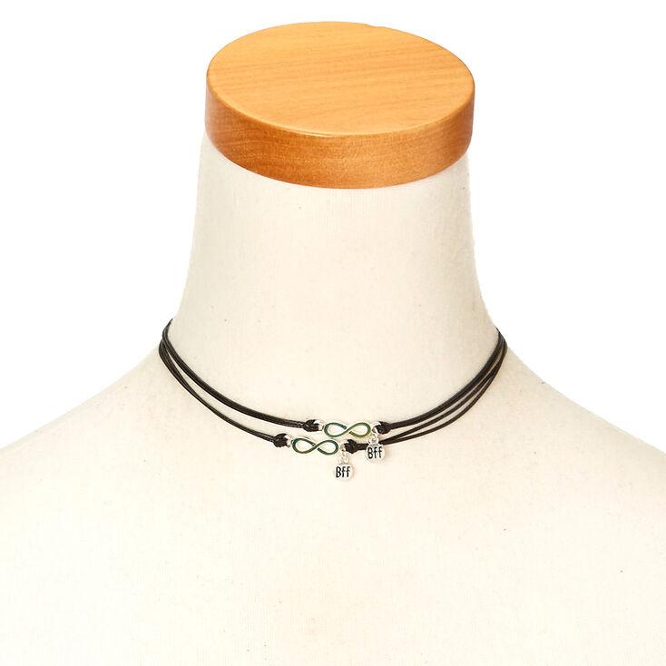pendentif d 39 amiti avec symbole de l 39 infini avec colliers ras du cou de corde noir claire 39 s fr. Black Bedroom Furniture Sets. Home Design Ideas