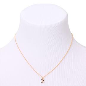 Collier à pendentif initiale à rayures couleur doré - E,