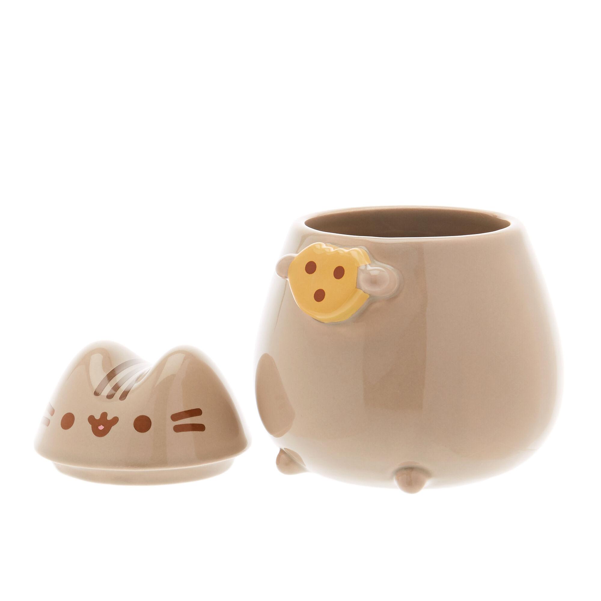 mug en c ramique avec couvercle et d coration cookie de pusheen claire 39 s fr. Black Bedroom Furniture Sets. Home Design Ideas