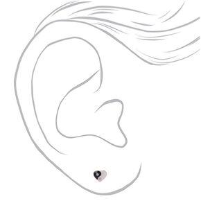 Clous d'oreilles cœur Yin et Yang couleur argentée,